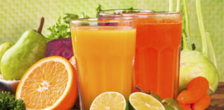 5 smoothies loaded with fruits