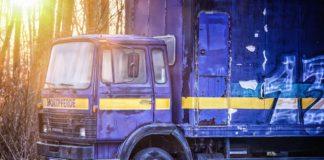 buying used trucks